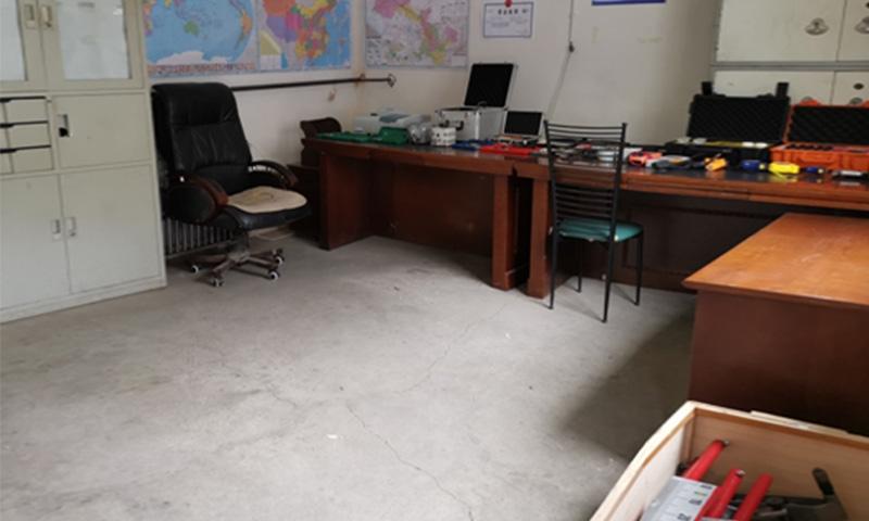 检测设备仪器室